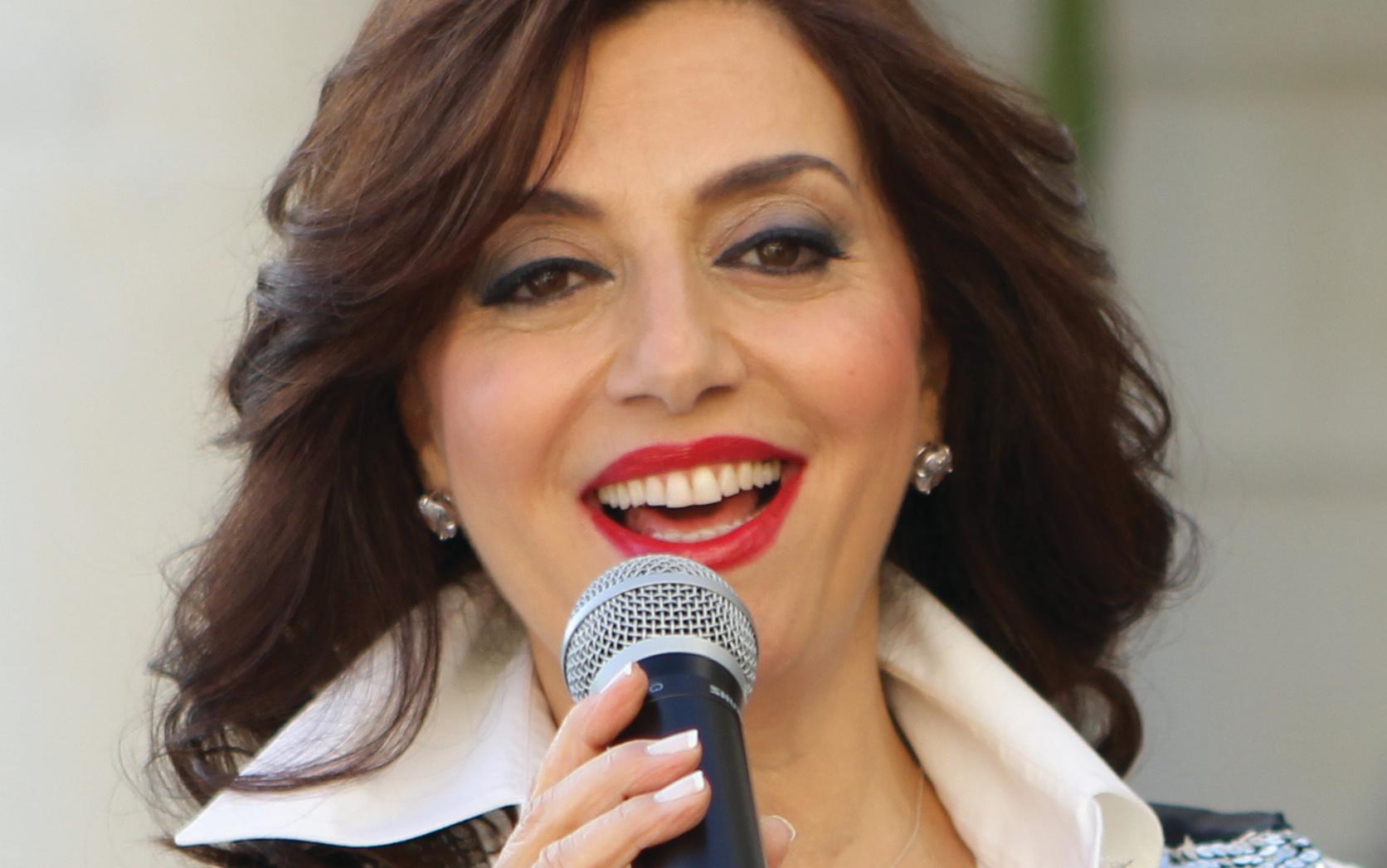 "Photo of لينا نقل تهدي العاشقين ""رحت كتير "" في عيد الحب"