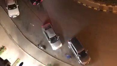 Photo of المديرية العامة للأمن الوطني، تتفاعل مع مقطع فيديو يظهر فيه شخص وهو يطلق الرصاص من سلاح رشاش على سيارة