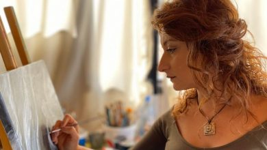 Photo of غادة الخوري : تشكيلية لبنانية لوحاتها تعطي الاشياء الجامدة حياة