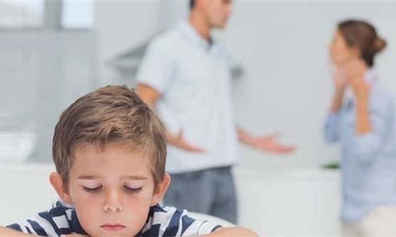 Photo of هل الخلافات الزوجية أمام طفلك مفيدة ؟؟