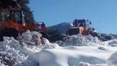 صورة تدخل استعجالي لإعادة فتح المحاور الطرقية ومواجهة آثار موجة البرد بالحسيمة