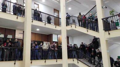 صورة عمال وموظفو شركة أمانديس ينظمون وقفة احتجاجية بمقر الشركة في طنجة