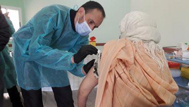 صورة مندوبية وزارة الصحة بإقليم بولمان تواصل عملية التلقيح ضد فيروس كورونا.