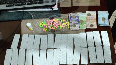 صورة توقيف ثلاث اشخاص بحي بني مكادة القديمة و حي مبروكة متورطون في تجارة الاقراص المخدرة و مخدر الشيرا