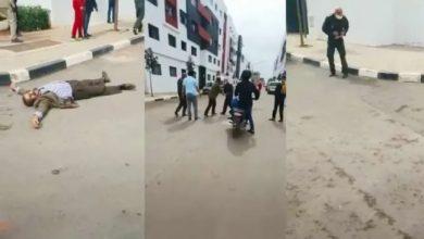 صورة قائد ملحقة إدارية تابعة لمنطقة دار بوعزة يتعرض لطعنة سكين وجهها إليه عنصر متقاعد في القوات المساعدة.