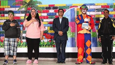 صورة الفنان عزيز الخلوفي يتألق من جديد مع مسرح الأطفال