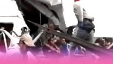 صورة حادث سير خطير لسيارة نقل العمال قرب محطة الطرقية